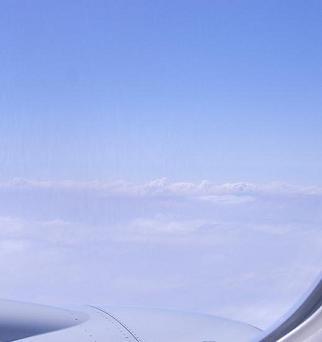 飛行機からの雲